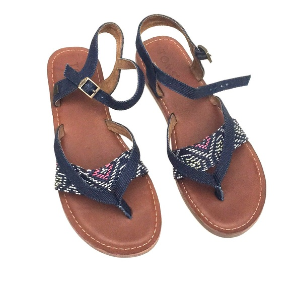 7e8943f02858 NWT TOMS sandal